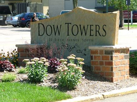 Dow Towers, 22 5th Avenue S